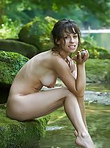 Outdoor Babes: Mabelle - Pure Refreshment