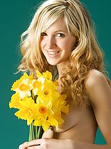 Wet Pussy, Corinna - Daffodils