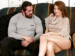 Enticing anilos hottie rae rodgers prepares to open her legs for a burly hunk