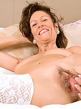 Pussy Babes: Mature milf India loves playing with her pussy with a pink dildo until she explodes in orgasm
