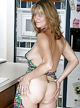 Anilos Pussy: Fresh Anilos mom teases her pussy with a mixing spoon after cooking dinner