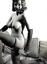 Vintage Babes: Formerly Forbidden Porn Photos of 1940-1950 - Natural Wives Posing Naked and Shaking Knockers - Retro Pornography