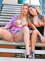 Perfect Babe, Renna Plays with Danielle