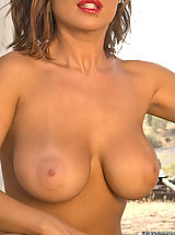 Big.Tits Babes: Hot Girls from Scotty JX just Action Girls