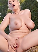 Tight Pussy, Angel Wicky