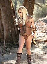 Fantasy Babes: WoW nude shyla hunting bears