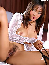 Beautiful Babe, Asian Women jeenna lui 01 negligee vagina spread