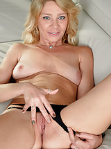 Good Pussy, Harley Summers