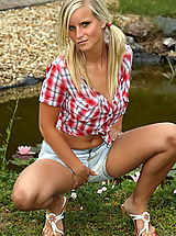 Jeans Babes: marry queen 01 weird pussy toys public nudity