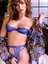 Lingerie Pussy: All-natural, auburn haired beauty Brittany Shaw looks lovely in blue matching lingerie!