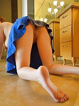 UpSkirts Babes: Naked Female Ellie Comfy Spreads