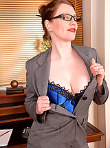 Anilos Pussy: Holly Kiss, Gorgeous Anilos office temp strips down to her naughty lingerie on lunch break