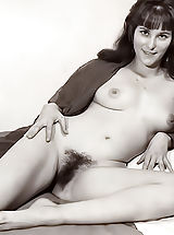 Vintage Babes: Old Fashioned Orgasm
