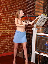 camel toe, tabitha 03 braces violine play
