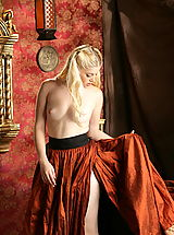 Fantasy Babes: WoW nude charlotte queen of mirror