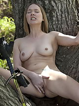Fantasy Babes: WoW nude star fingering pussy forest