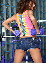 juliette shyn 02 real pussy in gym