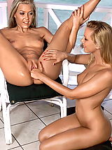 Lesbian Babes: sophie sandy 02 jamaica pussy spread