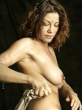 Bare Maidens Pics: WoW nude keemly medieval body washing