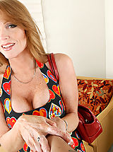 Milf Babes: Darla wants a new painting for the house and convinces her husband the only way she knows how...