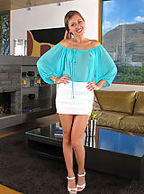 Shaved Pussy Extreme Pics #716 Riley Reid