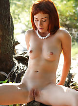True Beauty Pics: Redhead Renata is truly superb in her outdoor show
