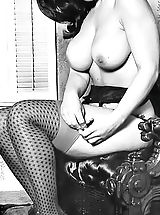 Stockings Pussy: Vintage Natural