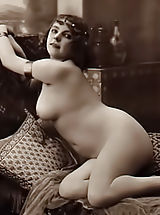Rare 1918 Year Erotic Photos from France Scanned By Famous Antique Porn Collector Are Available For Watching