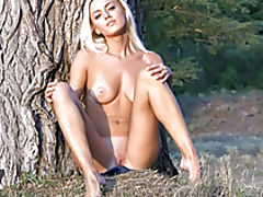 Hot Babes, Astonishing unrestrained blue eyes cutie poses in wild for body and soul joy. Fantastic moving pictures. Watch your breath.
