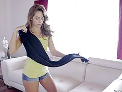 Horny teen Kimmy Granger gives her boyfriend a lusty blowjob and follows it with a creampie stiffie ride