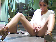 Shaved Pussy, Sinful Whore Adria Tight And Pink
